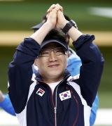 男子50米手枪王智伟摘铜 韩国冠亚军秦钟午双冠