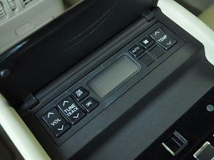英菲尼迪M系 2011款 M25 豪华版