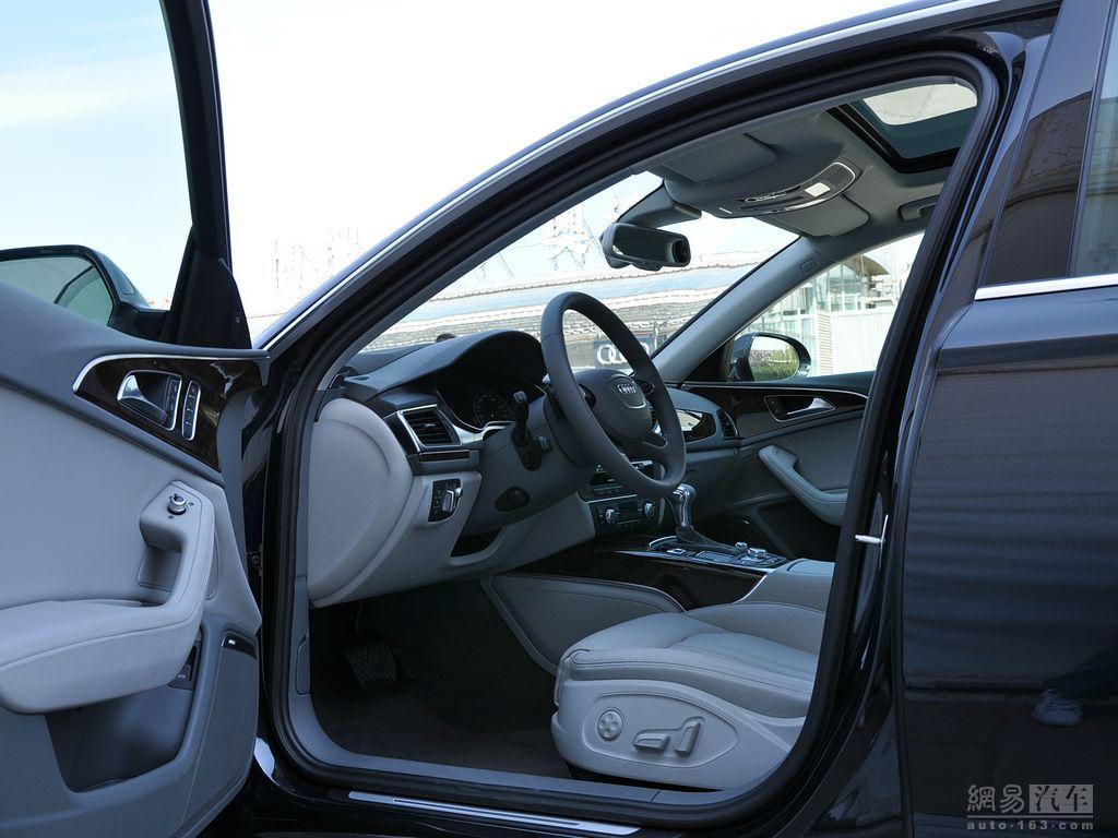 全景天窗中级 大型车型 奥迪A6L高清图片