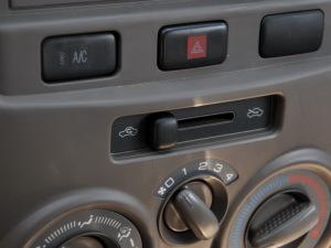 一汽M80 2011款 1.3MT超值型(5座 国Ⅳ)